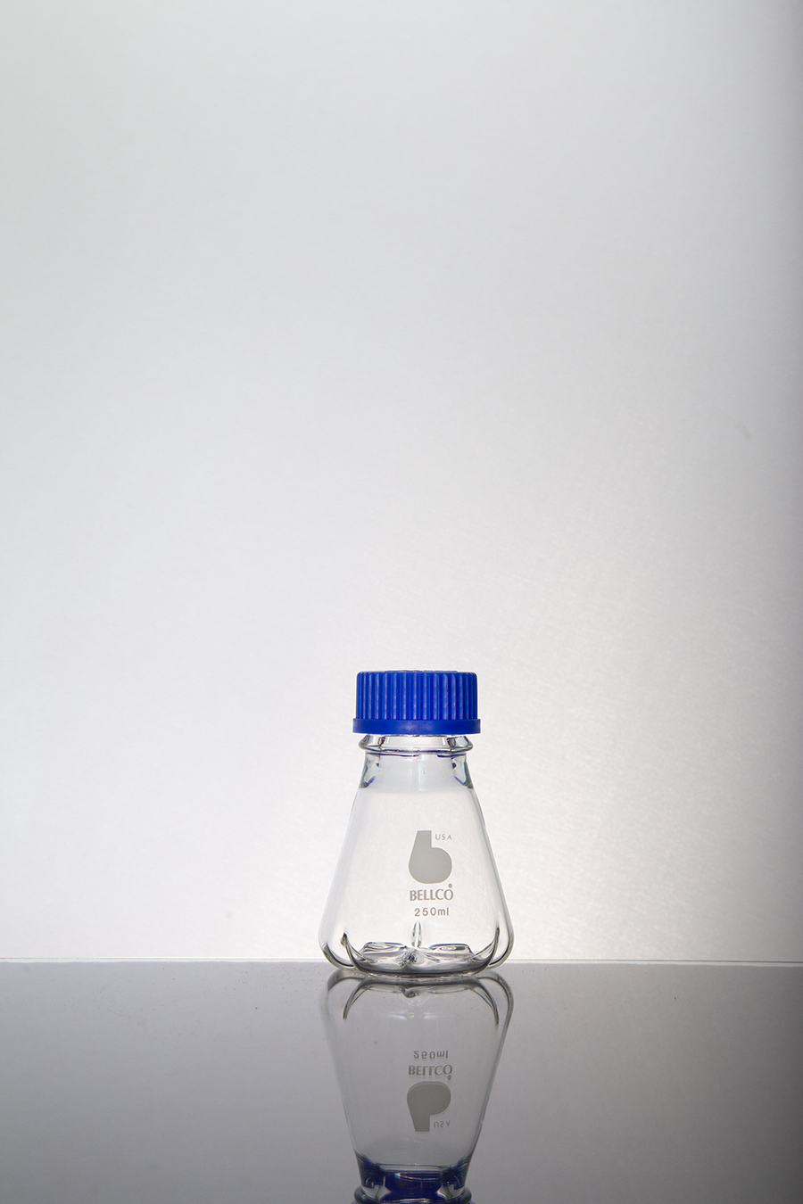 bellcoglass/Shake Flask w/ 3 Side, 3 Bottom Baffles, Membrane Cap & Pouring Ring/Search for:/2545-00250